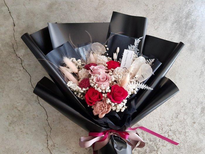 永生花+乾燥花│迷霧紅玫瑰花束│歡迎自取│配送限大台北 | Flower&House花藝之家