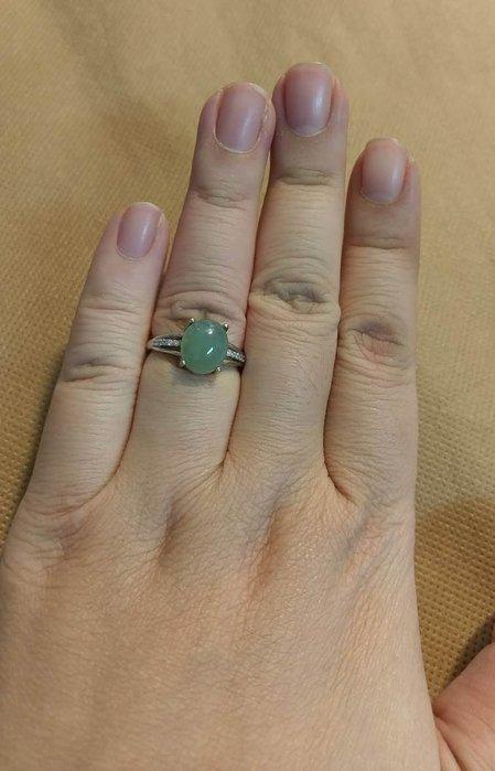 天然緬甸A貨~綠蛋翡翠~ 925銀鑲嵌 活圍戒指