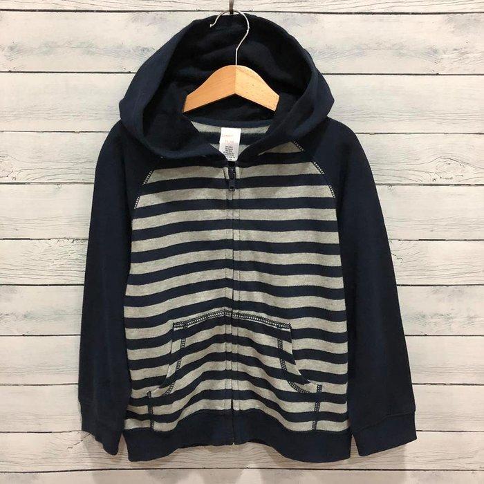 Maple麋鹿小舖 美國購買童裝品牌 GYMBOREE 男童深藍+灰色條紋連帽外套 * ( 現貨4T-5T )