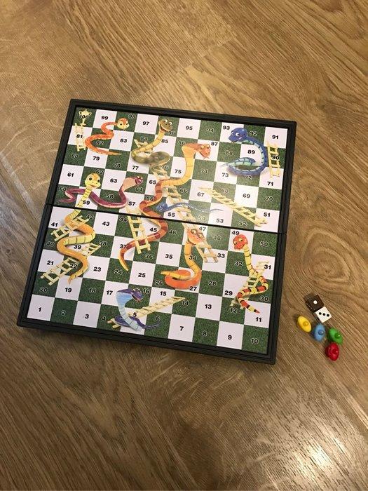桌遊 蛇梯棋 磁鐵棋盤 可收納