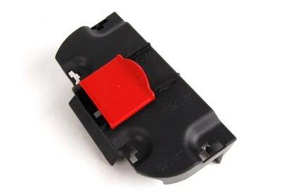 BENZ W204 2007- 電源 電瓶 正極上蓋 正極蓋 紅色蓋子 2045450003