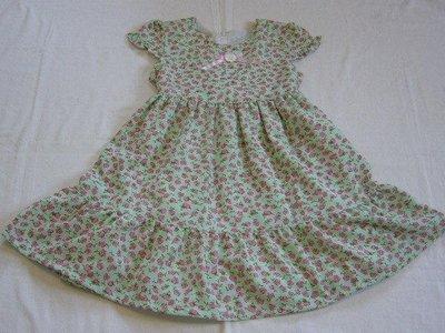 台製 女中大童 蘋果綠 小碎花 短袖洋裝~~8.12.14.16號~~適120~150cm穿~~歡迎切貨