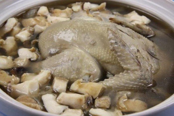 【滋補養生系列】鮑魚人蔘雞湯 智利生鮑魚1顆約230g+全雞人蔘湯底(內含1隻全雞) ~真材實料