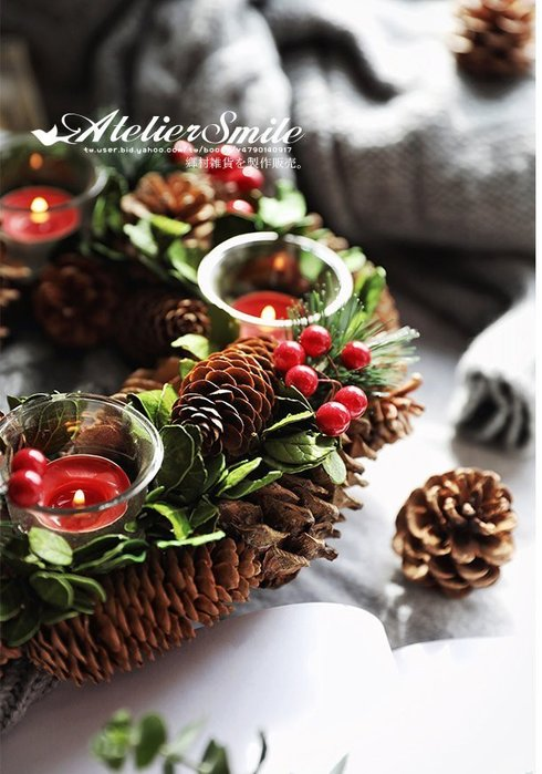 [ Atelier Smile ] 鄉村雜貨 日本  森林系 松果 松針樹枝 花環美式燭台 直徑30公分 #聖誕裝飾