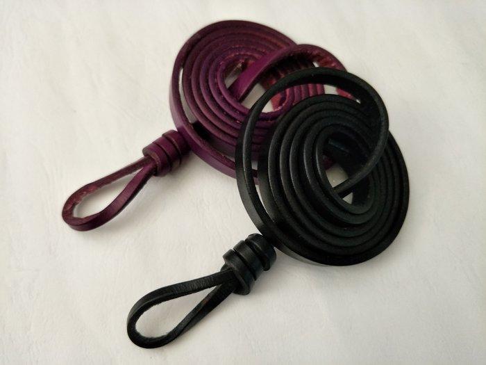 新品上市   歐美造型款   兩色   神秘黑*艷紫紅   各一條