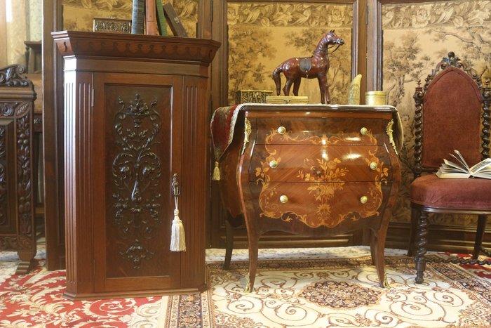 【家與收藏】特價稀有珍藏歐洲百年古董英國19世紀古典精緻手工雕刻花卉角落櫃/置物櫃