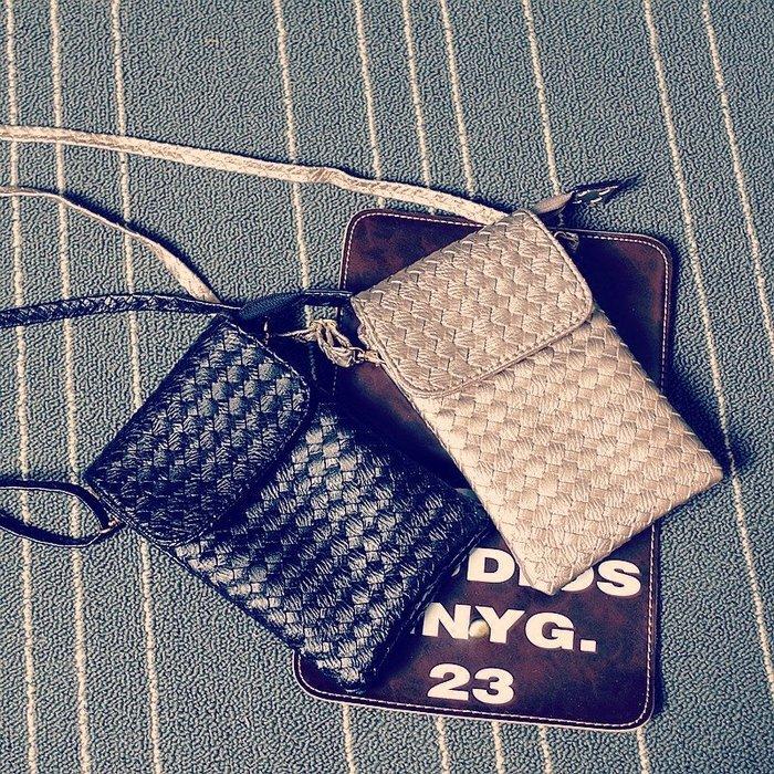 那家小屋-包包新款斜挎手機包女包單肩包零錢小包蘋果plus掛脖編織手機包袋#手機包#斜挎包#單肩包#信封包#零錢包
