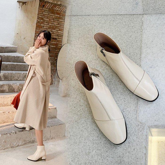 『Alice❤愛麗絲』秋冬季真皮方頭粗跟高跟前拉鍊馬丁靴女英倫風米白色短靴春秋單靴