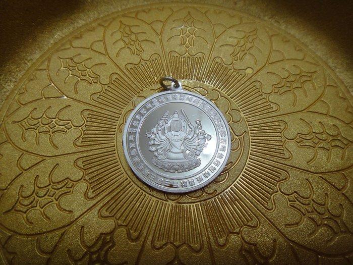 甘丹佛教文物 ^^ 純銀 準提鏡墜子 (可當項鍊 吊飾 )準提佛母大威力隨身護佑 (內頁圖詳閱)