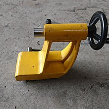 達哥機器 WE-103型木工車床專用尾座組一組4000元.