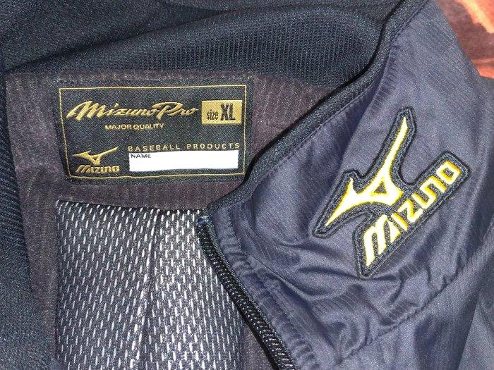 貳拾肆棒球--日本帶回Mizuno pro Breath thermo職業選手契約用保暖訓練用外套