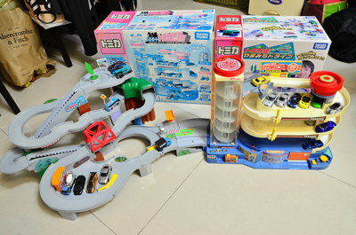 TAKARA TOMICA 多美 小汽車 極速灣道組合 加送 5 台合金小汽車 (台中市)