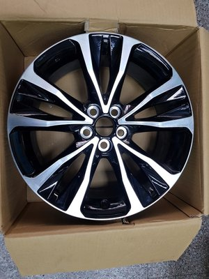 2017~2018 ALTIS原廠17吋雙色鋁圈 只有一個