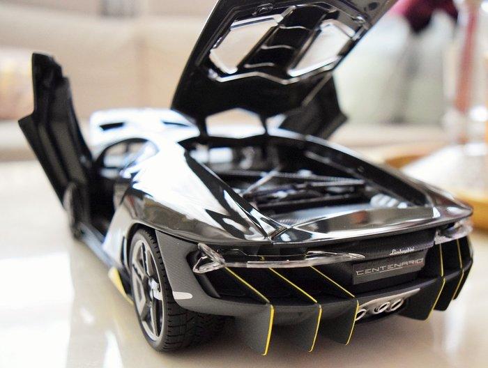 {車界模王} Lamborghini首發結合創新設計與前瞻技術的極致限量超跑— Centenario