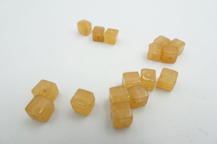 %玉承珠寶% 天然橘色紅東菱玉4MM 方塊珠 散珠 串珠 一顆10元