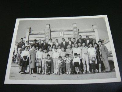 【早期老照片】民國60年代 鄧清湖 團員合照 6.5X9 公分
