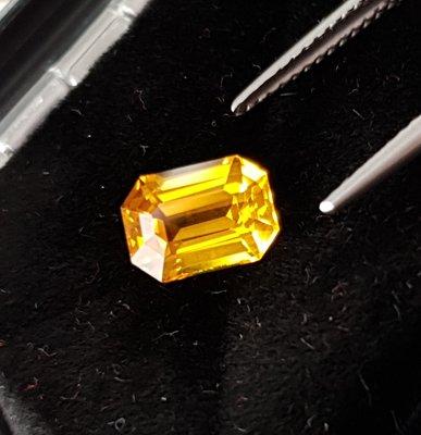 揚邵一品(附國際證)2.16克拉金黃色藍寶石~高淨度玻璃體 近全美 金黃色色澤超迷人 招財必備 黃色寶石 黃色剛玉 金色