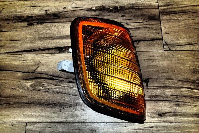DJD18030206  全新 BENZ 賓士 W124 E-CLASS 全黃原廠型 角燈 一顆250