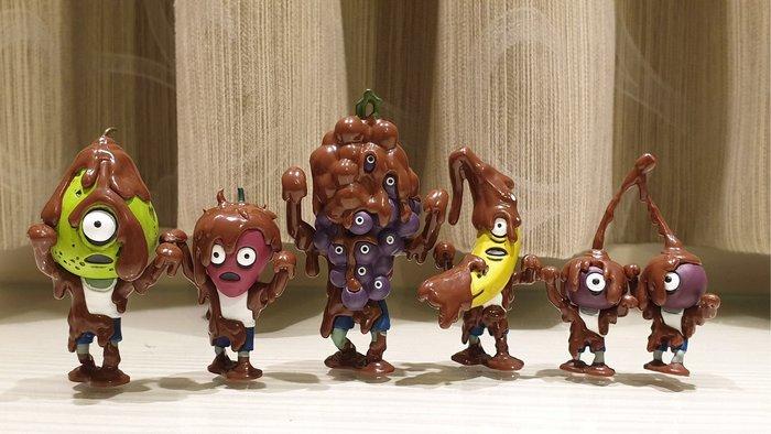日本 現貨 T-ARTS 巧克力融化的水果殭屍 軍團 人形 擺飾 熊貓之穴 紫葡萄 櫻桃 香蕉 草莓 西洋梨~