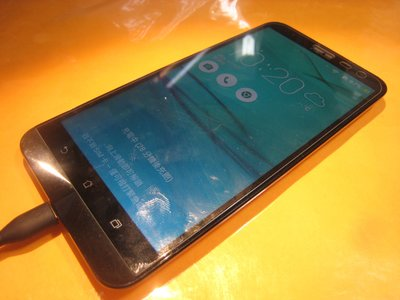 <旦通中古機部門>ASUS Zenfone 2 LASER ZE601KL 6吋 9成5新 銀灰色二手機$3500