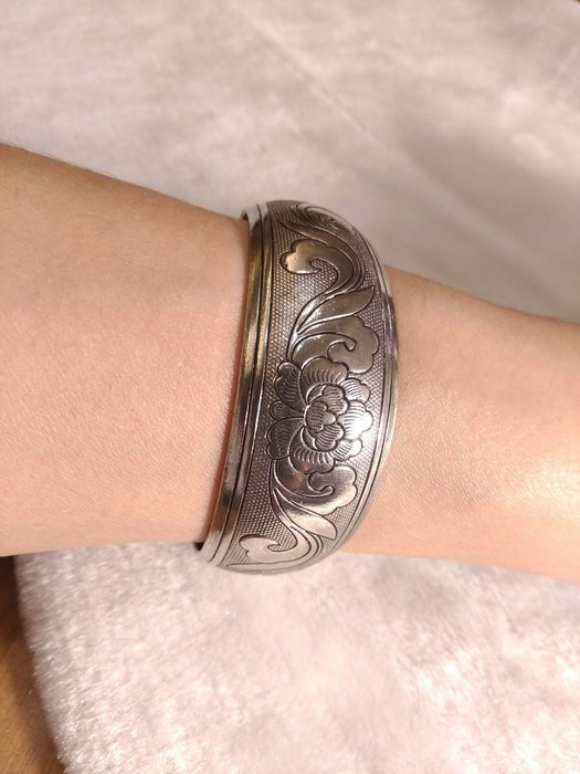 **玉之軒**巧雕朵朵蓮花造型藝術手環 100之40%銀銅製品藝術品手環