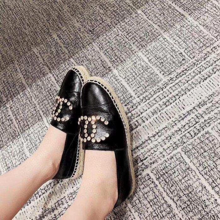 重量級 超~迷人的小香風格 無敵經典的百搭款 2020最新..時尚鉛筆鞋