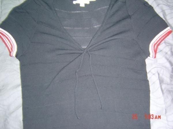 全新KOOKAI 黑色性感V領針織上衣