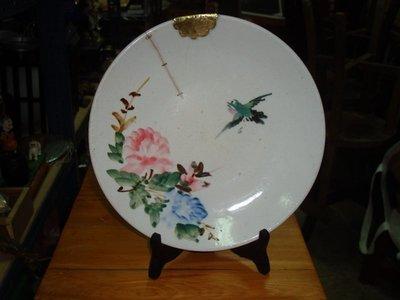 典藏級的一塊古早浮雕花鳥的大型老盤子(收藏級的)