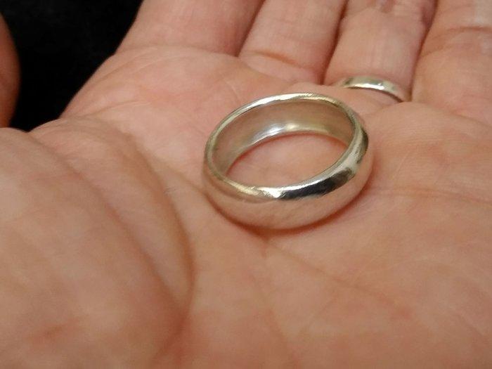 手工925銀飾戒約13號內圈直徑1.7cm