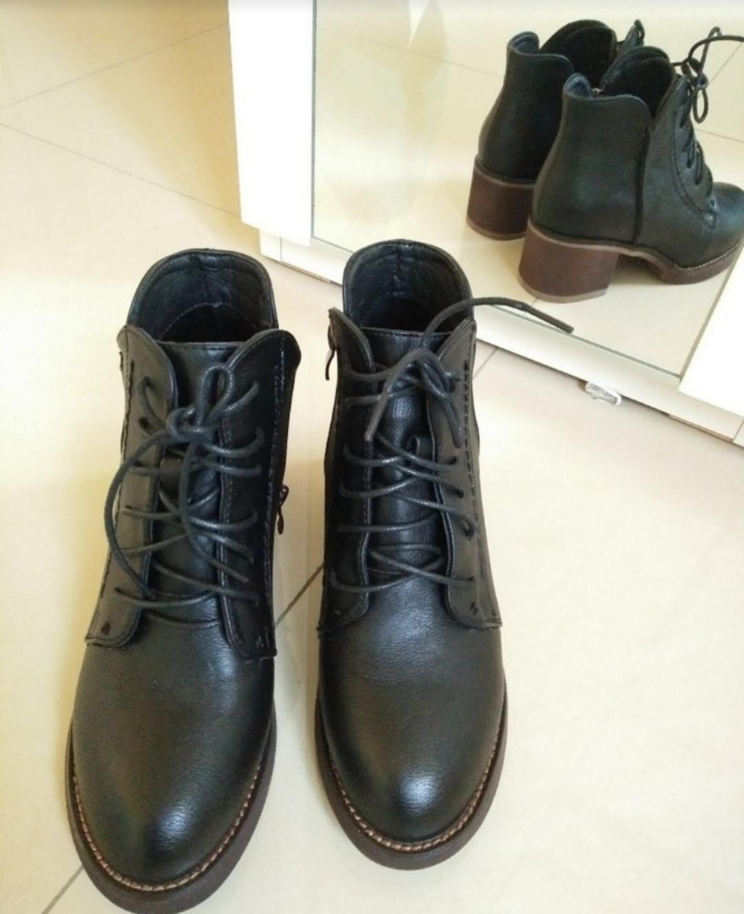 復古擦色短靴 黑色23.5碼