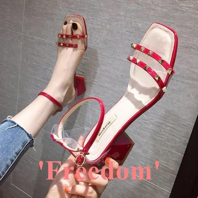 Freedom~女鞋女士涼鞋2019夏季新款時尚朋克風鉚釘透明一字帶粗跟中跟仙女鞋子