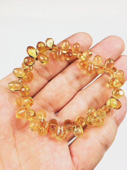 ((上品堂))頂級天然黃水晶水滴型手鍊.重18.5克.只給第一標