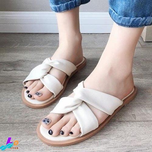 Lo流行女鞋~ 甜美日常*.柔軟交叉平底拖鞋