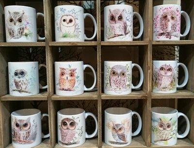 貓頭鷹色鉛風Q版馬克杯系列,奧爾思獨家製作販售!歡迎公司行號大量訂購,另有優惠呦🌟最特別的禮物都在奧爾思🌟