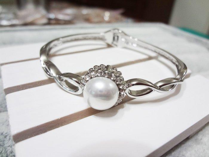 【Love Trina】8188-0207 銀色大珍珠麻花感亮鑽手環。彈性手環--(銀色)