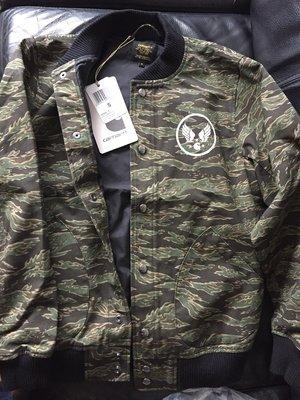 Carhartt WIP Bomber Jacket 迷彩綠色 S號 男生 飛行外套