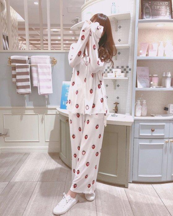 陽光角落~~SEP03~ gelato pique大草莓 莫代爾排扣襯衫上衣+長褲 成套販售