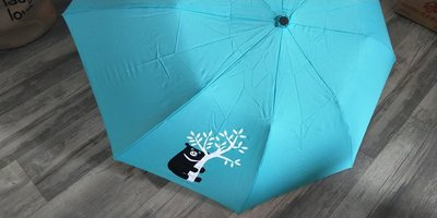 全新中鋼股東會贈品 中鋼黑熊折傘 共有3把  3件一起買還有優惠喔 蒂芬妮藍真的很美