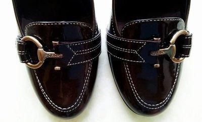 近全新John & David 咖啡色金扣木底手工高跟娃娃鞋