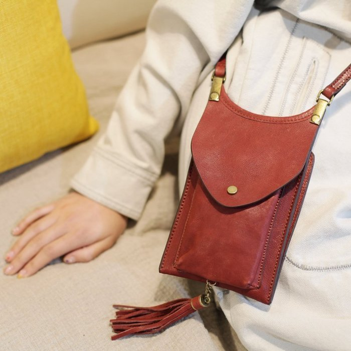 紅色真皮流蘇小包包夏季簡約手機包鑰匙零錢包可愛小巧森系斜挎包