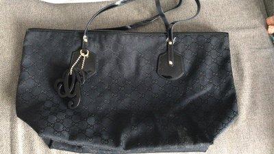 Gucci 側揹袋