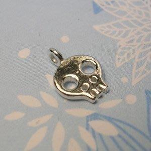 琥珀貓~【925純銀材料配件】墜飾~A0106~骷髏頭~一個