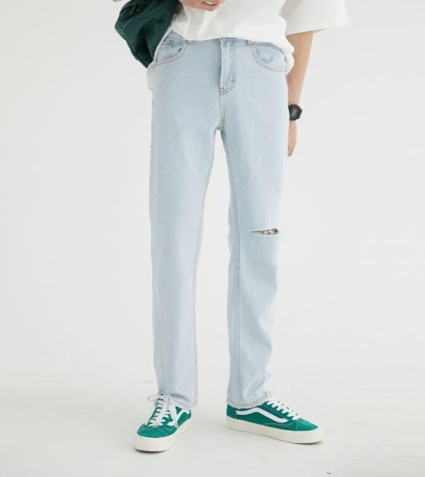 【NoComment】紐約街頭 休閒時尚 簡單有型的淺藍刀割破壞牛仔褲 ZARA H&M
