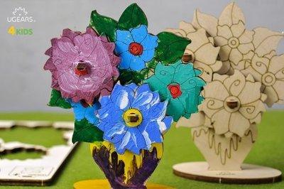 UGEARS 著色小花兒 Bouquet  5朵花和花瓶畫上你喜歡的顏色,展現你獨一無二的美感。其中2朵花兒可以轉動。
