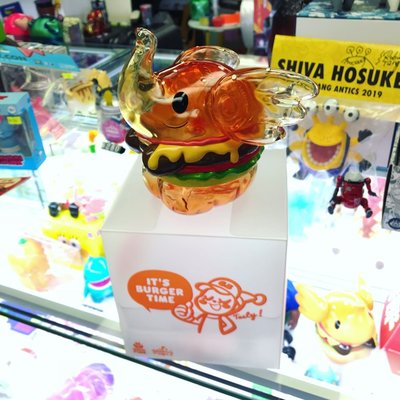 Unbox Jumbo cheese Burger Elfie  大原味透明芝士漢堡象 Elfie by Too Natthapong 限定