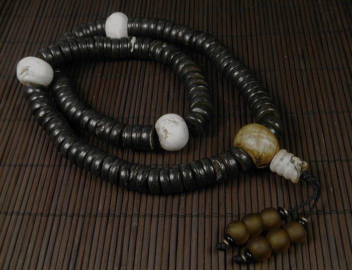 藏珠物流中心 **尼泊爾攜回**老黑髦牛骨108輪型念珠**C213