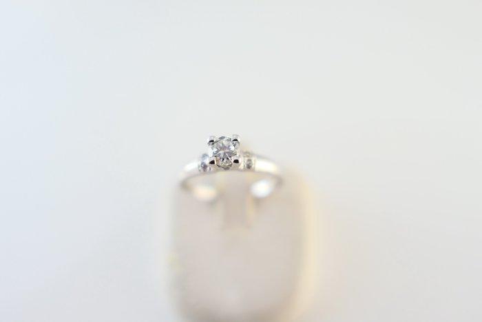 [吉宏精品交流中心]26分 天然鑽石 白K金 造型 戒指