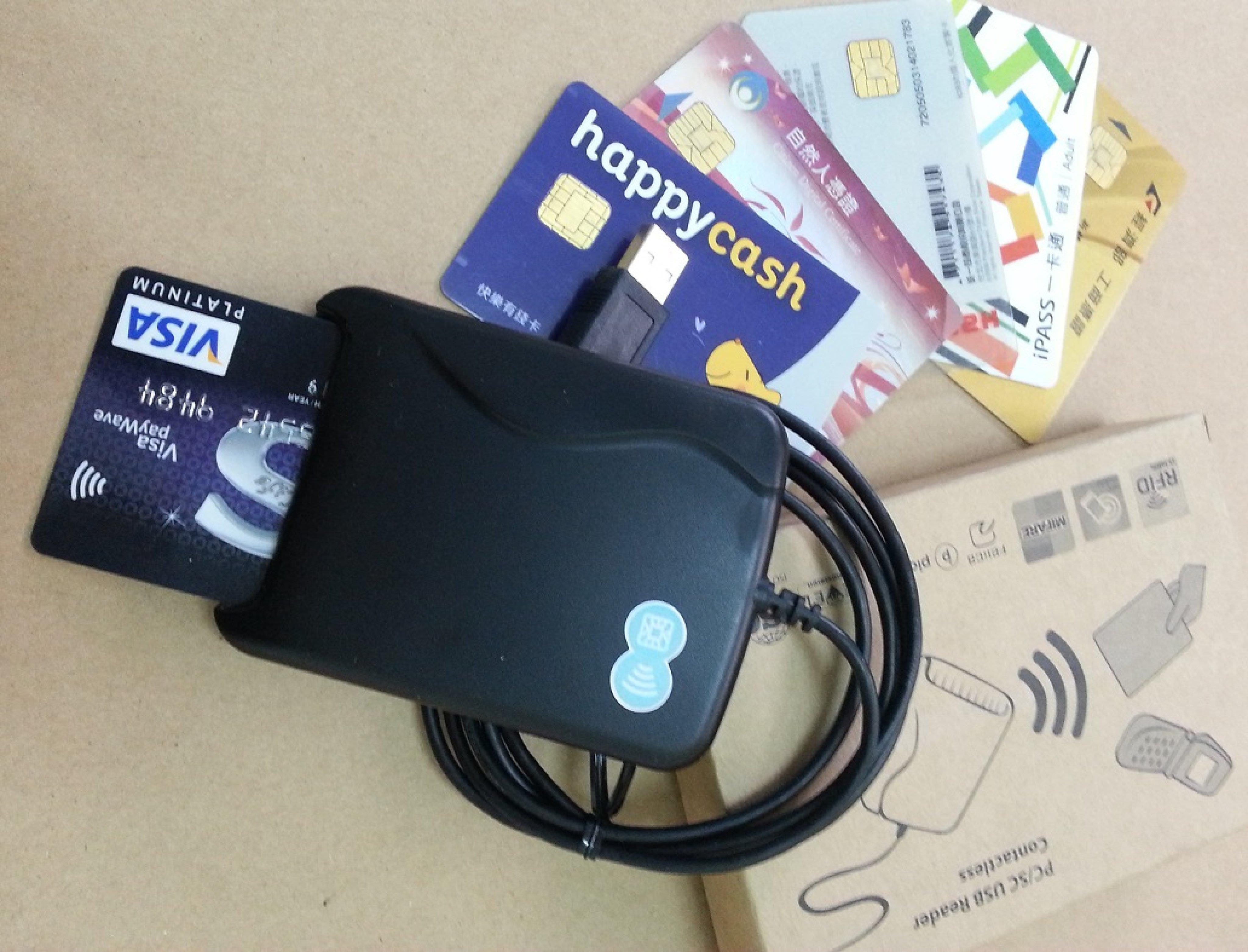 晶片+感應雙介面讀卡機 NFC RFID Reader Mifare 悠遊卡一卡通健保IC卡金融卡自然人憑證