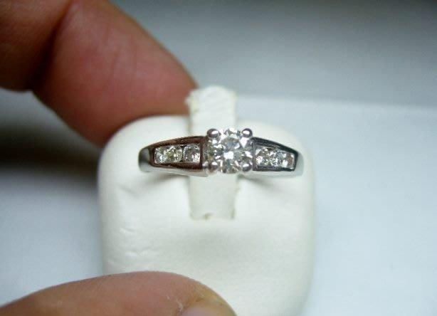 [吉宏精品交流中心]30分 南非天然鑽石 白K金 八心八箭 造型 戒指(禮物)