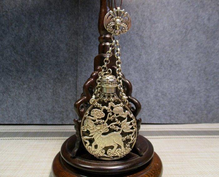 特價[古典老素銀] 麒麟寶銀瓶/鳳中尊且貴,麒麟清以高,富貴高尚于,最是兩相怡。主富貴功名吉利!